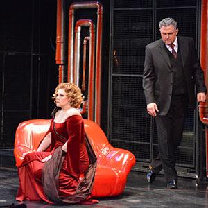 Сцена из спектакля «Леди Макбет Мценского уезда»